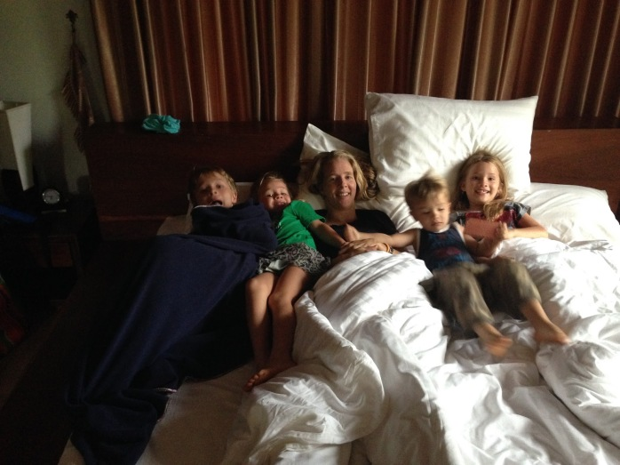 hotel-room-lots-of-kids