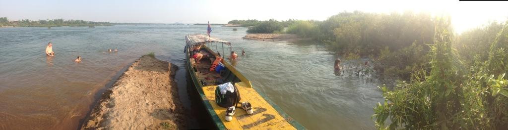 boat-on-mekong