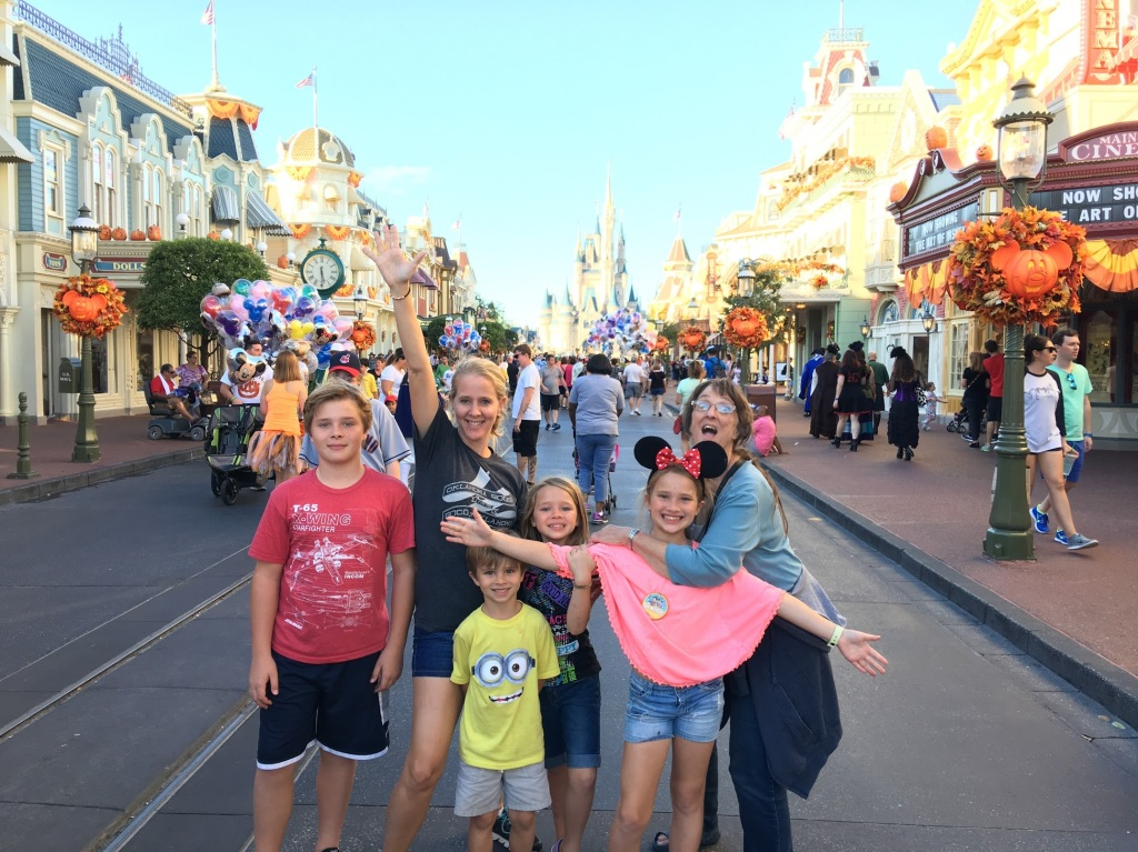 mom and kids at disney world